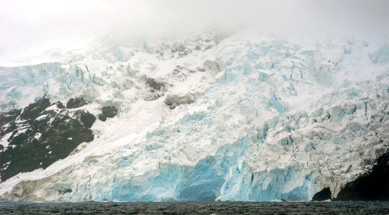 Isbre på vestkysten av Bouvetøya. Fotograf: François Guerraz/Wikipedia (etter Creative commons-lisens)