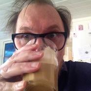 Blogger med kaffe. Jarle