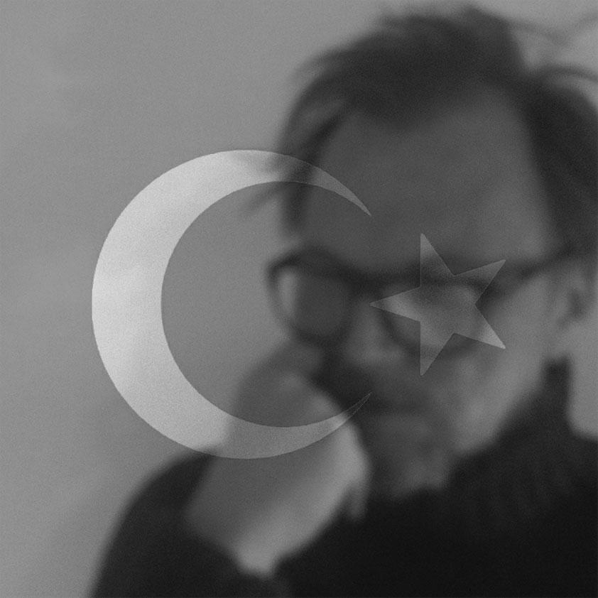 Jarle Petterson and Turkish flag.