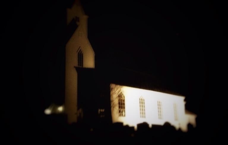 Uggdal kyrkje på Tysnes. Bloggers foto.