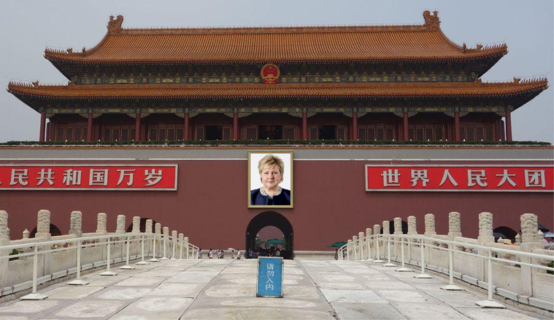 Erna Solberg på Den himmelske freds plass. Bloggers montasje. Kina